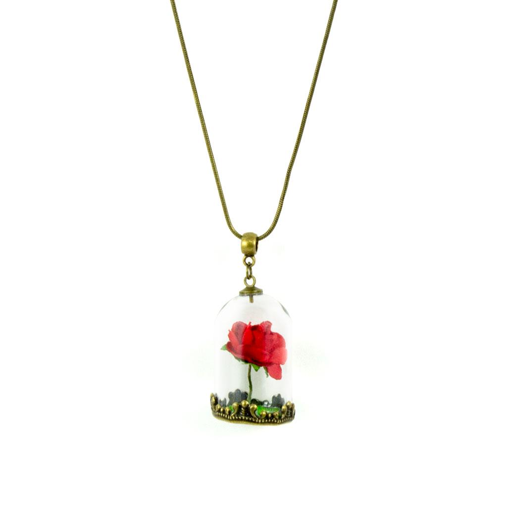 Colgante que incluye una rosa en miniatura y una base de césped artitificial, variante de cadena en oro viejo