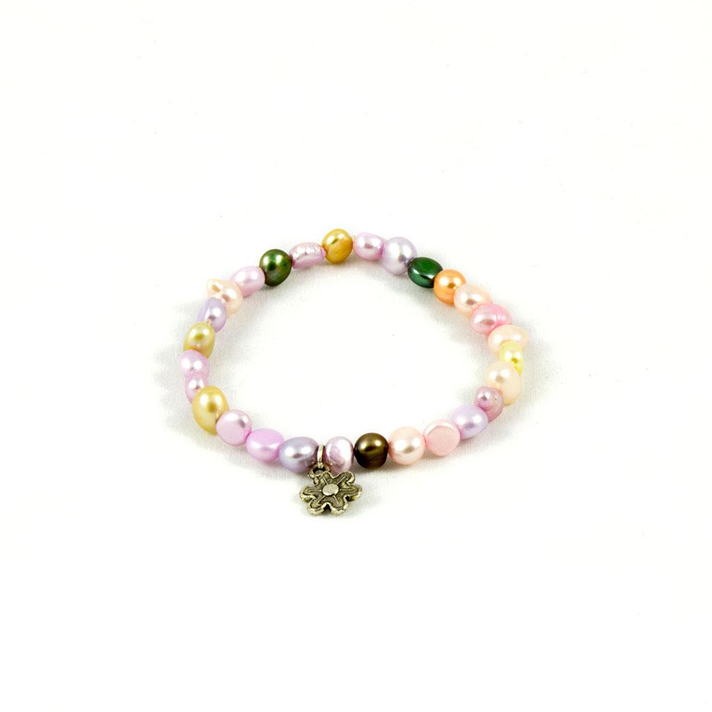 pulsera de colores montada a mano con elemento flor