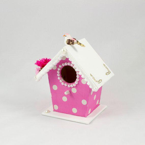 Casa de pájaros rosa