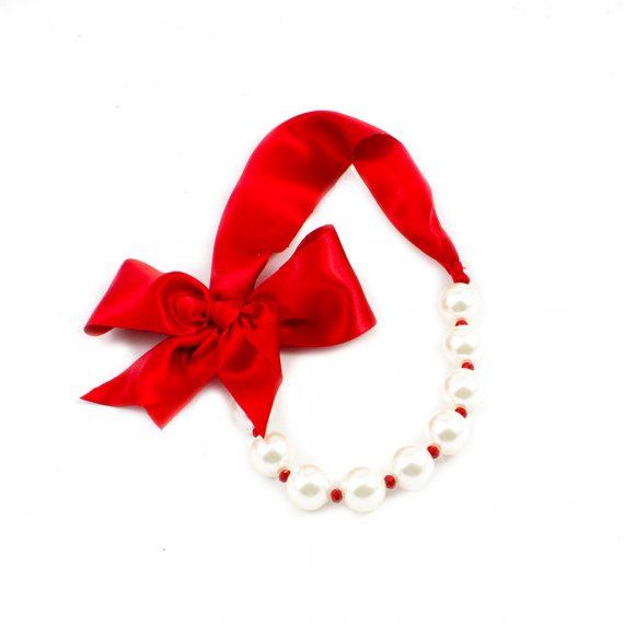 Lazo rojo y perlas grande